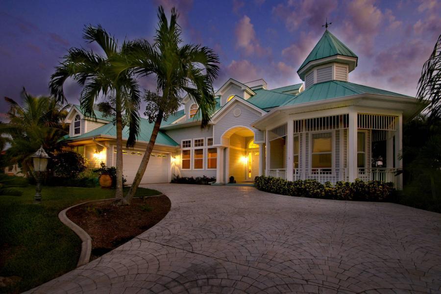 Villa Hemingway Vacation Rentals In Cape Coral Florida